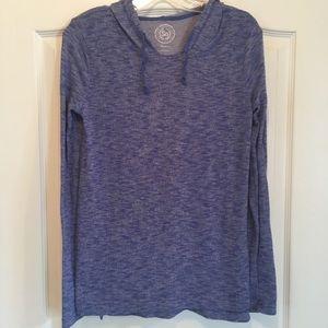 Women's long sleeve hooded shirt